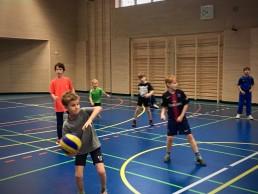 Kinder beim Zweifelderball